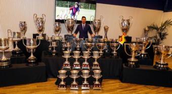 Lionel Messi se despidió de Barcelona con una foto de todos sus títulos